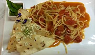 Spaghetti pomodorini freschi e vernaccia